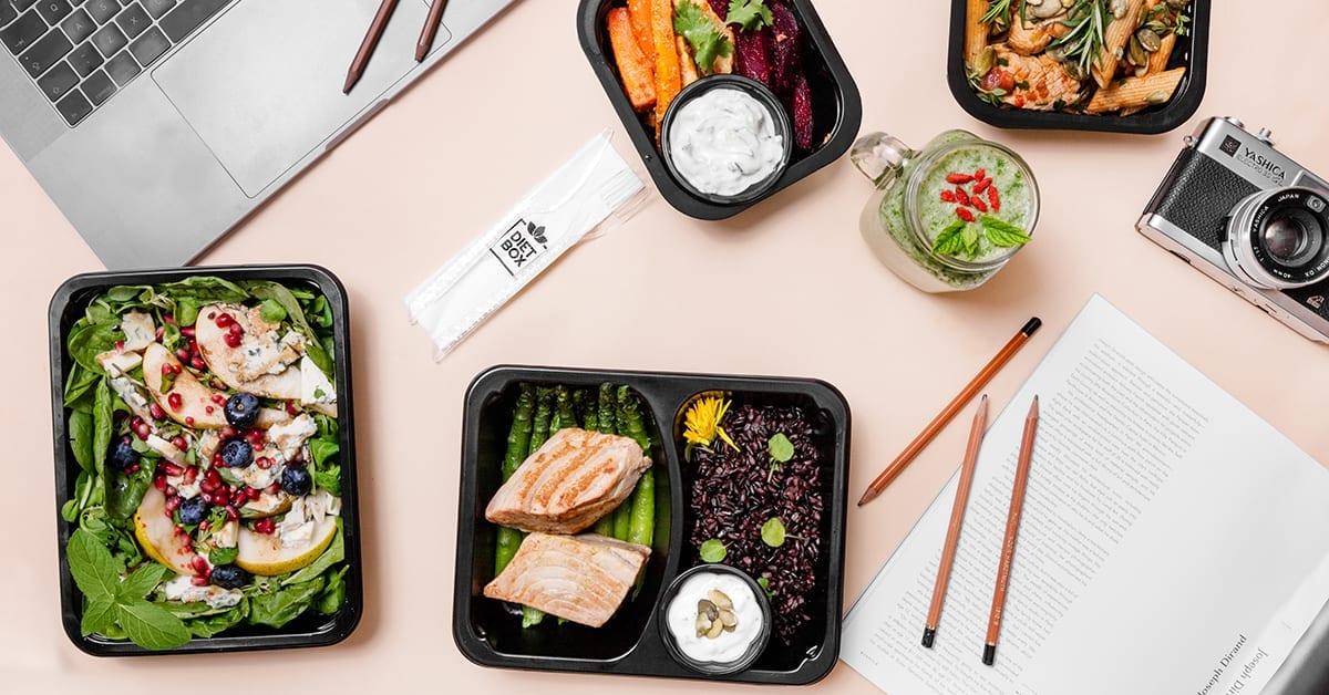 Bycie fit ma sens! 5 sposobów na poprawę sylwetki z cateringiem dietetycznym