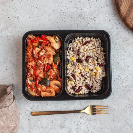 Danie diety fitness - Leczo z kurczakiem i kaszą bulgur z kukurydzą i fasolą