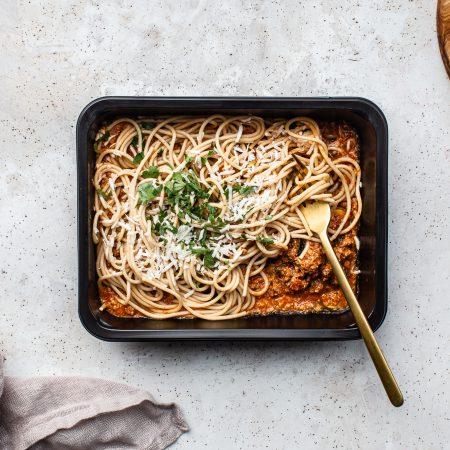 Danie diety strong - Spaghetti po prowansalsku z oliwkami i indykiem